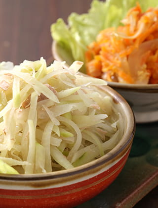 Grated Carrot and Grated Green Papaya Shirishiri